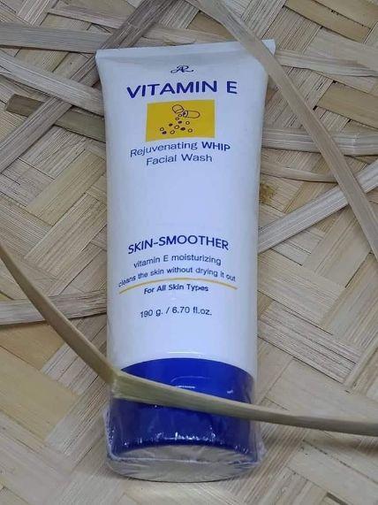 Sữa rửa mặt dưỡng ẩm AR Vitamin E Moisturizing Facial Wash ảnh 7