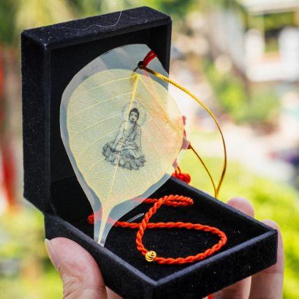 Lá bồ đề dát vàng bình an hình Phật ảnh 10
