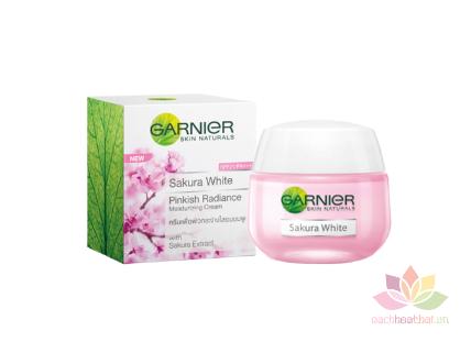 Kem dưỡng trắng Garnier Sakura White Night Cream ảnh 1
